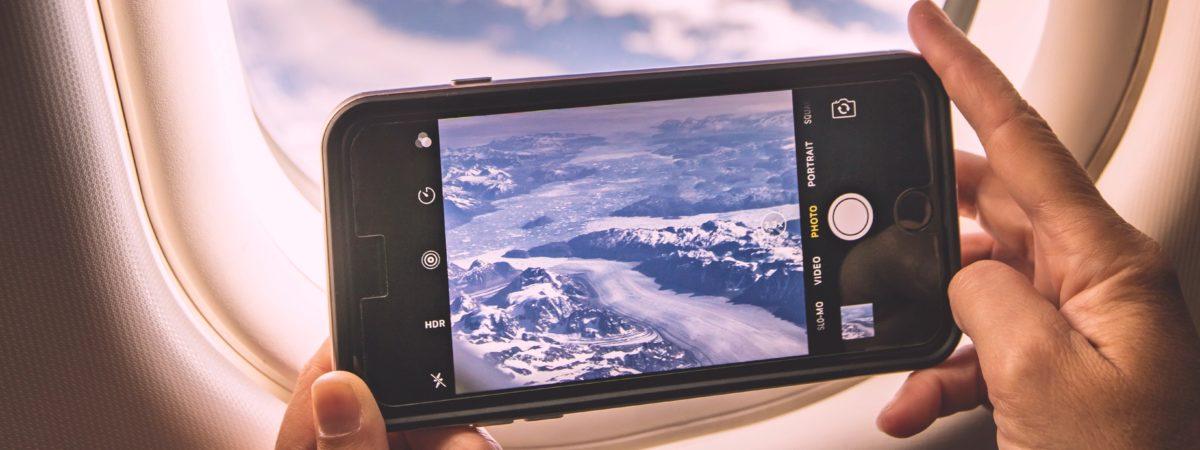 telefon komórkowy w samolocie